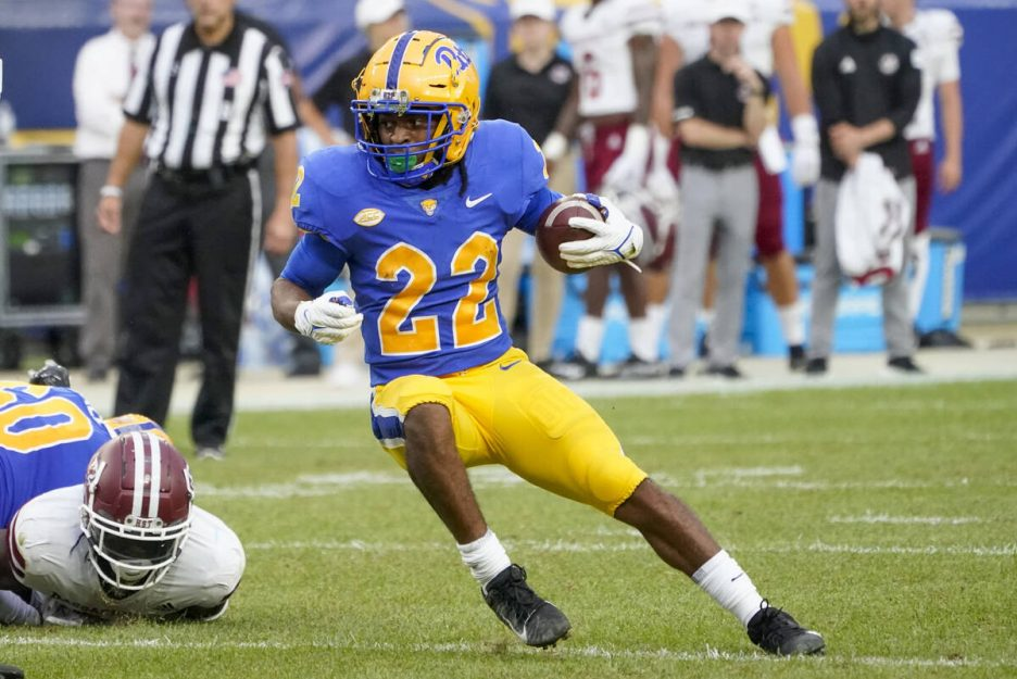 Pittsburgh running back Vincent Davis (22) plays against Massachusetts during the second half o ...